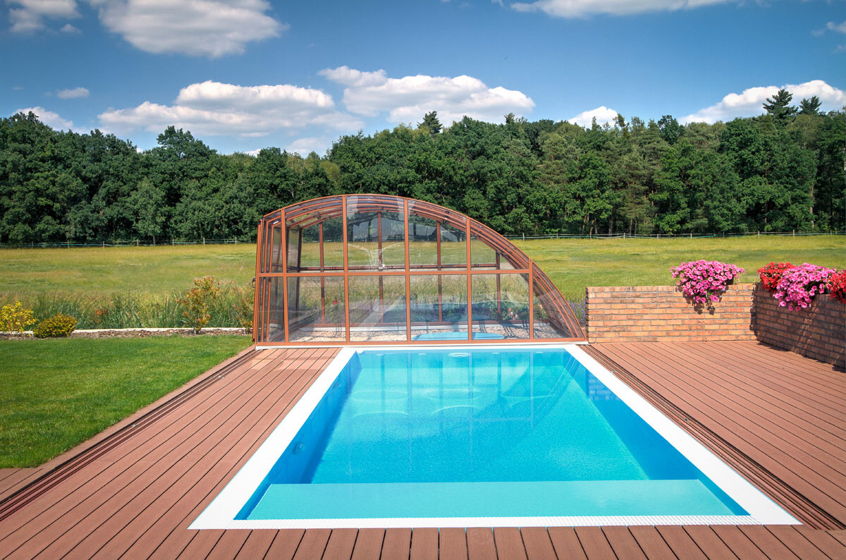 Big ideas for small swimming pools designs albixon for Large swimming pool designs